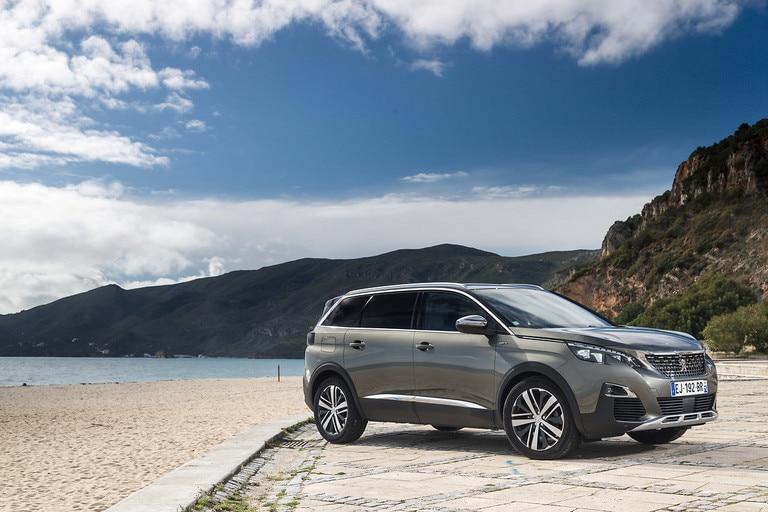 Novi Peugeot SUV 5008