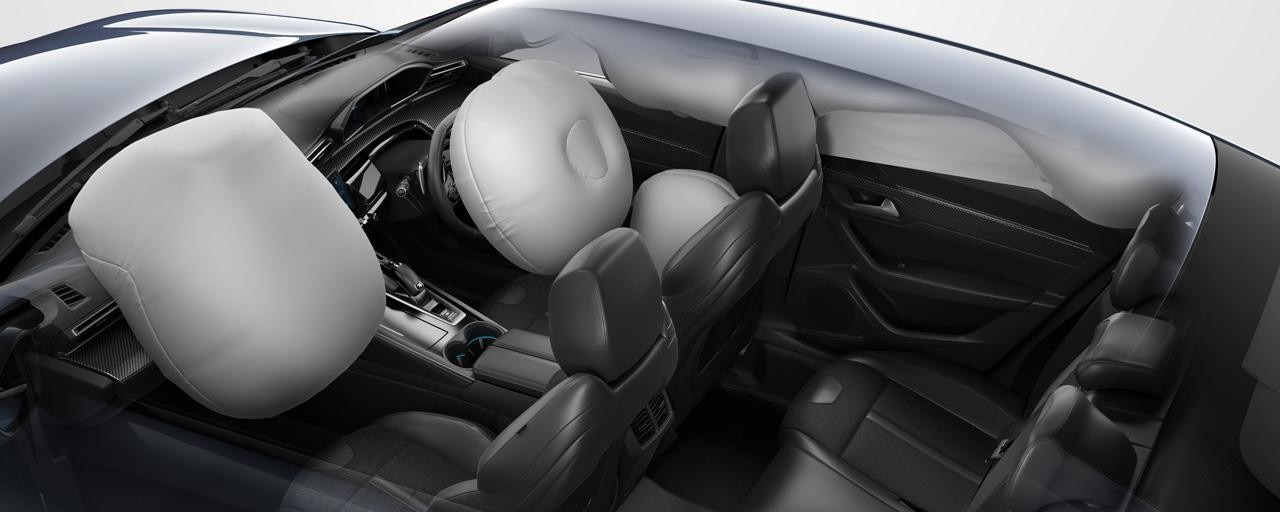 /image/70/0/peugeot-508-fastback-automatic-airbags.449700.jpg