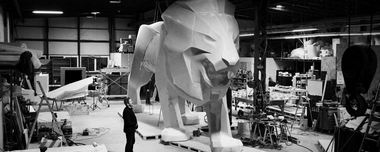 /image/88/5/peugeot-lion-ambassador-02.381885.png